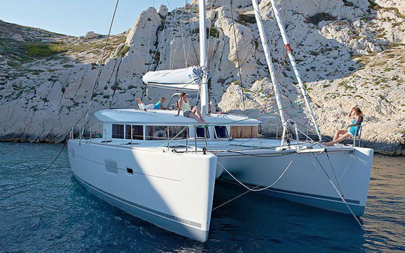 cat-lag-400-anchor2-0__catamaran-lagoon-400-s2-12m