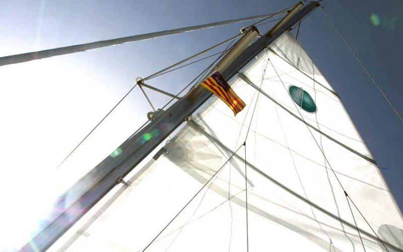 cat-lag-400-sail-0__catamaran-lagoon-400-s2-12m