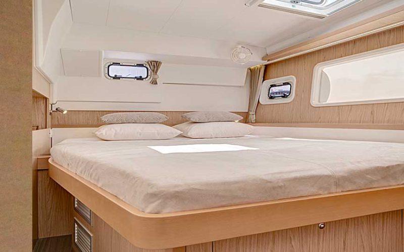 cat-lag-master-bed-0__catamaran-lagoon-400-s2-12m