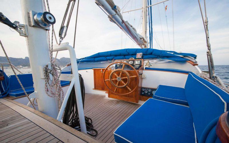 sailing-22m-bridgee4-0__classic-sailing-yacht-22m