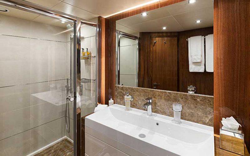 ss-28-bathroom-0__sunseeker-28
