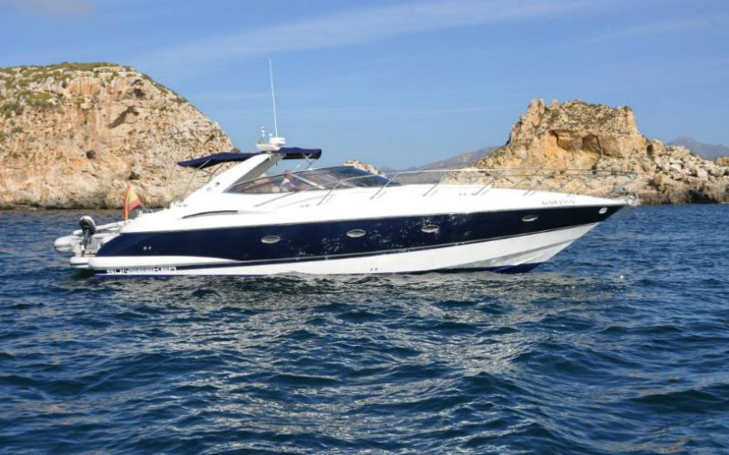 xfs-960x540-s80-blue-ice-starboard-side-for-web-0__sunseeker-camargue-44