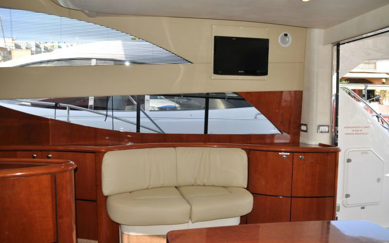 xfs-960x540-s80-tranquilo-tv-saloon-0__fairline-phantom-50