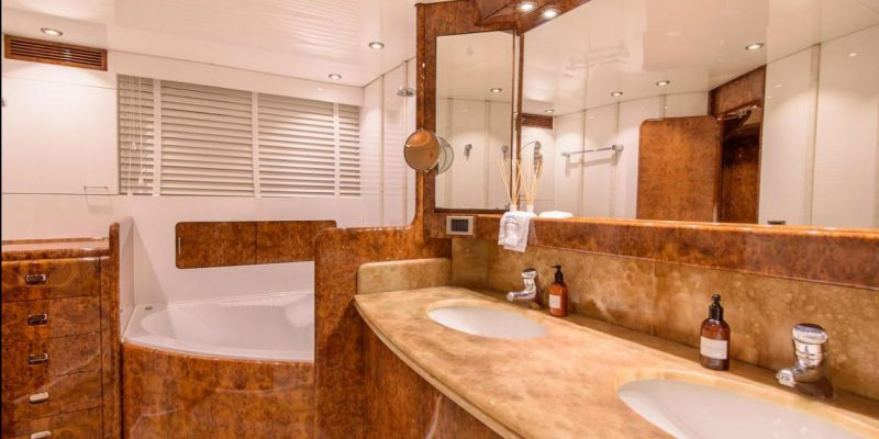 Mondomarine_120_bathromm_ensuitre