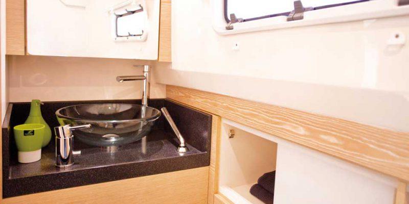 fjord-40-bathroom-0__fjord-40-open