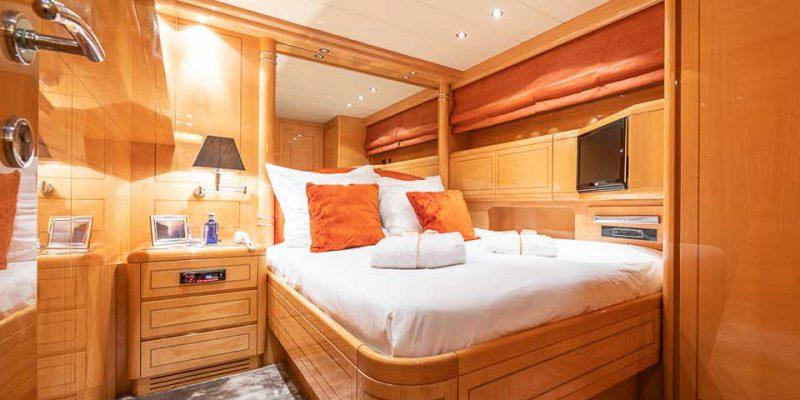 mangusta-80-master-cabin1-0__mangusta-80