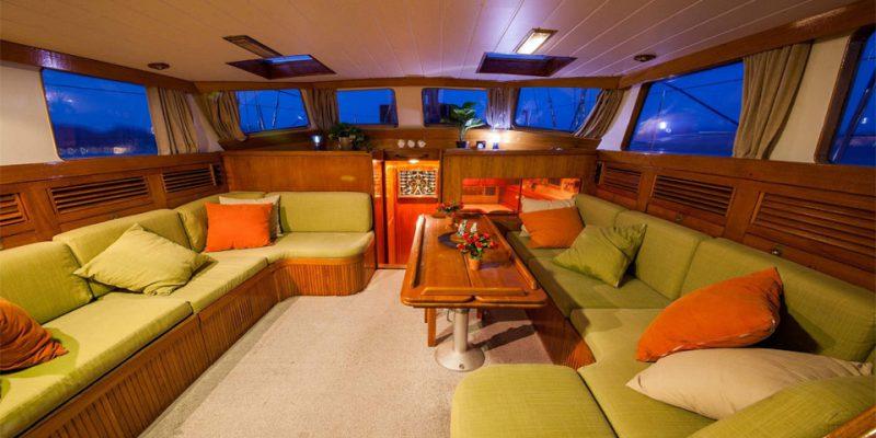 sailing-22m-saloon-0__classic-sailing-yacht-22m
