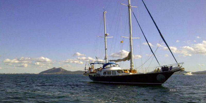 sailing22m-side2-0__classic-sailing-yacht-22m