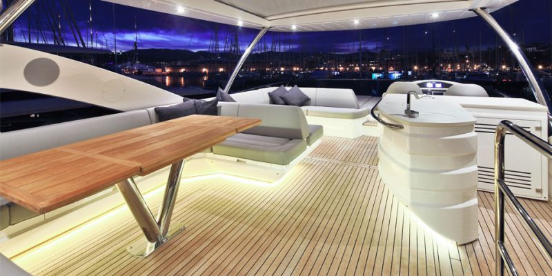 sunseeker-75-flybridge-night-0__sunseeker-75