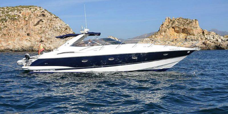xfs-960x540-s80-blue-ice-starboard-0__sunseeker-camargue-44
