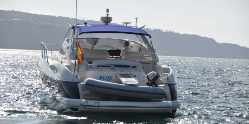 xfs-960x540-s80-blue-ice-stern-for-web-0__sunseeker-camargue-44